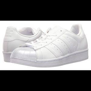Adidas Superstar with glossy toe